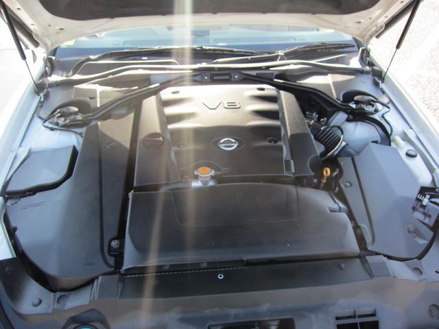 最近は少なくなってしまった、大排気量4.5LのV8エンジンは豪快な加速感が味わえます!アメリカ車の様なダイナミックな走行性能です!