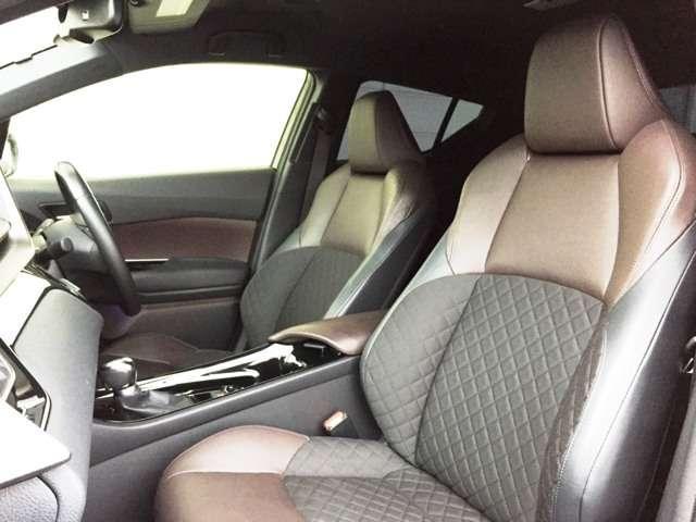 【運転席】 ハーフレザーなどの状態も良く、目立つような傷や汚れはありません!