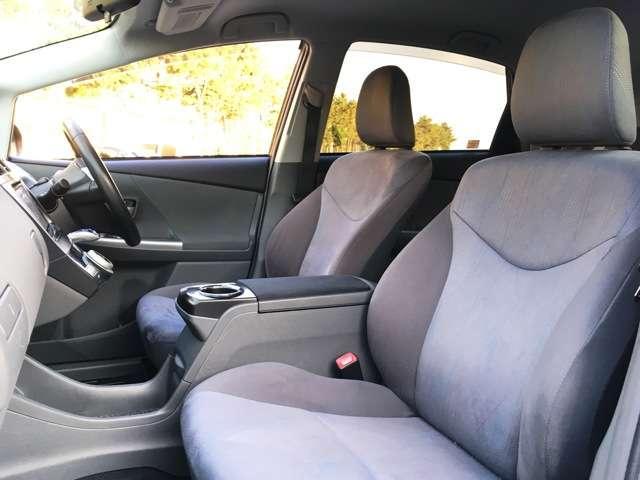 【運転席】 シートなどの状態も良く、目立つような傷や汚れはありません!