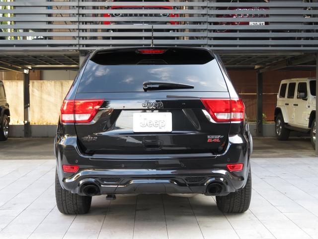 SRT8 6.4L HEMI SRTブラックホイール Jeep認定中古車(13枚目)