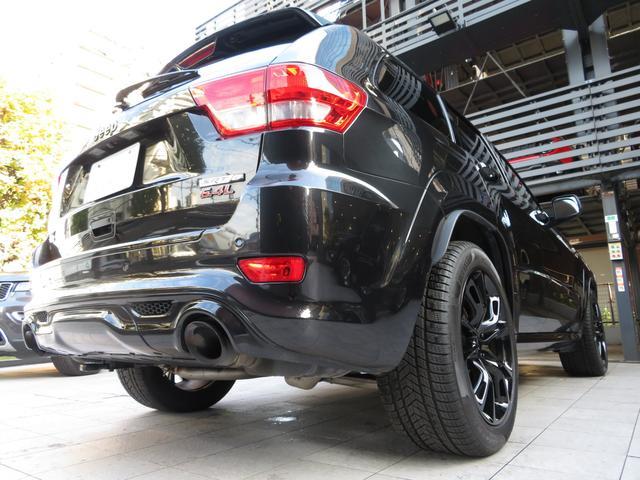 SRT8 6.4L HEMI SRTブラックホイール Jeep認定中古車(18枚目)