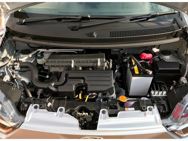 水冷直列3気筒12バルブDOHC・49馬力(カタログ値)・KF型エンジンです