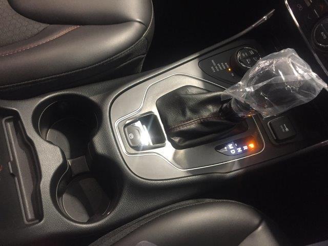 トレイルホーク 登録済未使用車 新型2.0Lターボ ハーフ革(20枚目)