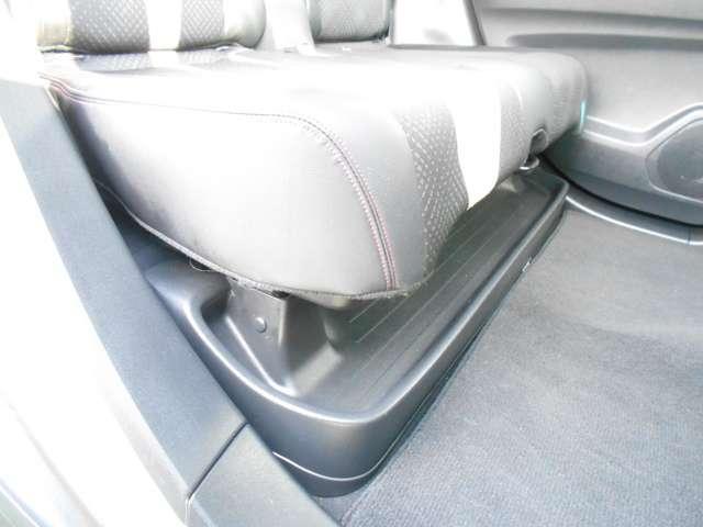 開放感あふれる前席。見晴らしの良さは、運転のしやすさにも直結しています(*^-^*)/