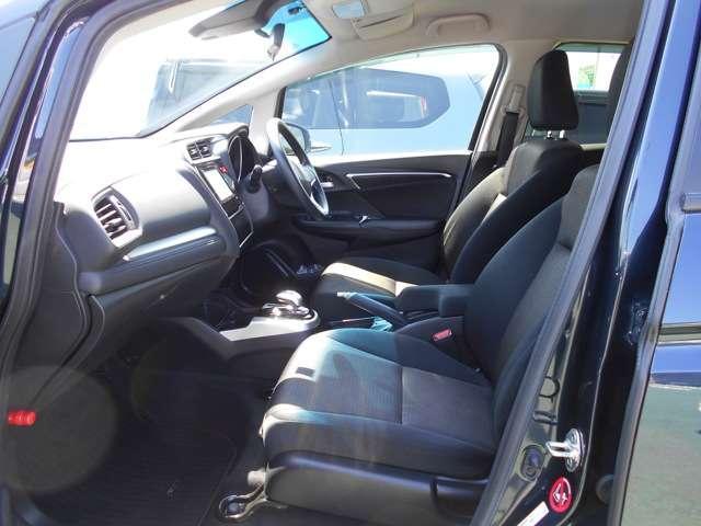 すわり心地も良い運転席、助手席シートです!