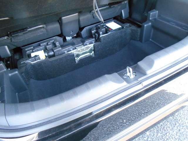 G 横滑り防止装置 CD HID 盗難防止装置(9枚目)