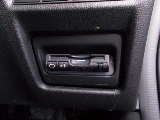 スパーダ ホンダ認定中古車 バックカメラ メモリーナビ フルセグTV ブルートゥース ETC車載器 スマートキー 3列シート ウォークスルー 両側スライド片側電動ドア LEDヘッドライト ワンオーナー(9枚目)