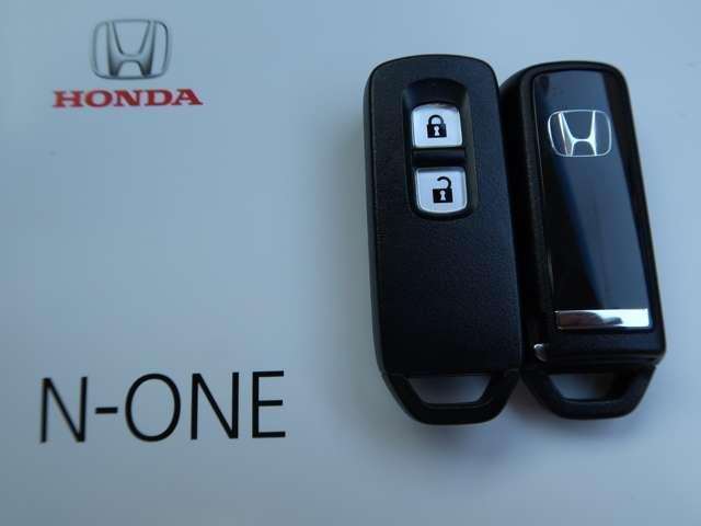 G・Aパッケージ ホンダ認定中古車 スマートキー バックカメラ CD再生 ベンチシート HIDランプ 電動格納ドアミラー オートライト ワンオーナー(4枚目)