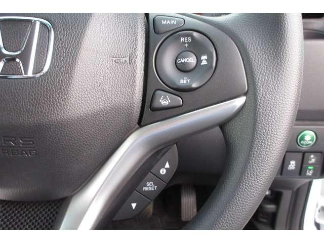 13G・L ホンダセンシング ホンダ認定中古車 ドラレコ ETC スマートキー バックカメラ メモリーナビ フルセグTV/CD/DVD Bluetooth オートライト LEDヘッドライト 電動格納ドアミラー デモカー(6枚目)