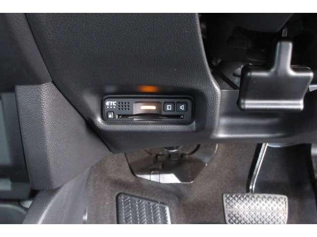 13G・L ホンダセンシング ホンダ認定中古車 ドラレコ ETC スマートキー バックカメラ メモリーナビ フルセグTV/CD/DVD Bluetooth オートライト LEDヘッドライト 電動格納ドアミラー デモカー(9枚目)