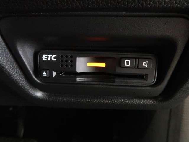 スパーダ Advance Package α ホンダ認定中古車 ドラレコ ETC スマートキー バックカメラ ナビ フルセグTV 後席モニター 3列シート ウォークスルー 両側電動Sドア オートライト LEDヘッドライト 純正アルミ ワンオーナー(9枚目)