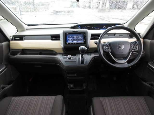 G・ホンダセンシング ホンダ認定中古車 スマートキー ETC車載器 バックカメラ メモリーナビ フルセグTV Bluetooth 3列シート ウォークスルー 両側電動スライドドア オートリトラミラー ワンオーナー(5枚目)