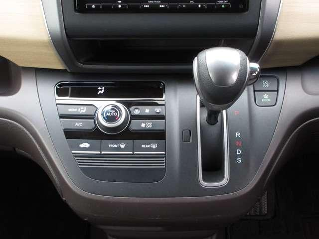 G・ホンダセンシング ホンダ認定中古車 スマートキー ETC車載器 バックカメラ メモリーナビ フルセグTV Bluetooth 3列シート ウォークスルー 両側電動スライドドア オートリトラミラー ワンオーナー(12枚目)
