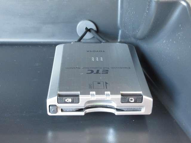 トヨタ ヴォクシー Z Rモニター HDDナビ ETC Rカメラ