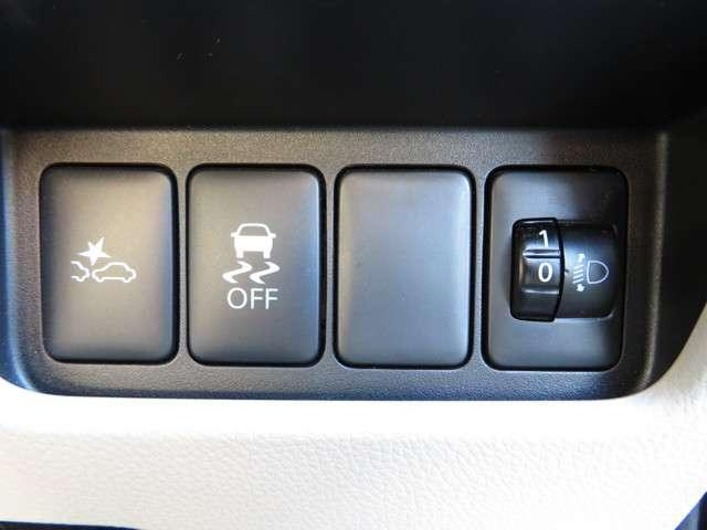 VSA横滑り防止装置搭載!スムーズなコーナリングが可能です!また、雨天時、障害物を回避した際にも、ドライバー、同乗者を守ってくれます!