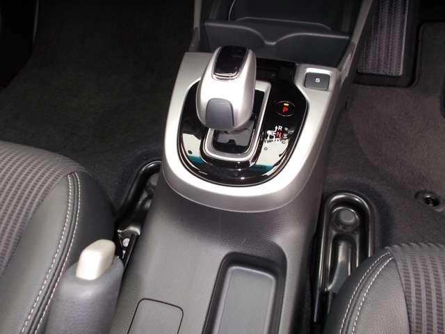 L ホンダセンシング Bluetooth対応ナビ フルセグTV リアカメラ 運転支援 ホンダ認定中古車 LEDヘッドライト ETC クルーズコントロール(11枚目)