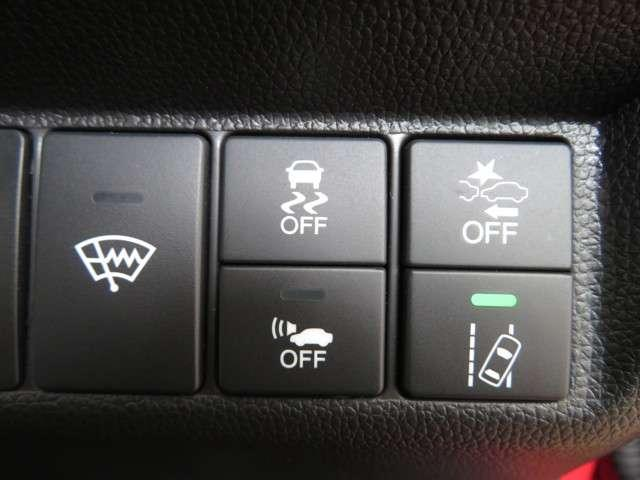 L ホンダセンシング Bluetooth対応ナビ 運転支援 認定中古車(3枚目)