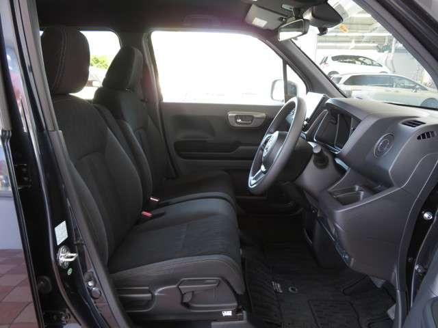Lホンダセンシング デモカー 大型ナビ 運転支援 ホンダ認定中古車 Bluetooth対応 リアカメラ フルセグTV クルーズコントロール LEDヘッドライト シートヒーター ドライブレコーダー(10枚目)