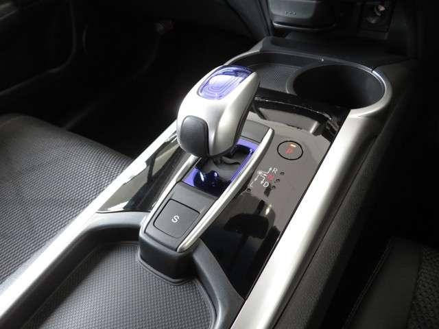 ハイブリッドX 大型ナビ 運転支援 ドラレコ リアカメラ ホンダ認定中古車 ETC LEDヘッドライト フルセグTV Bluetooth対応 純正AW クルーズコントロール(14枚目)