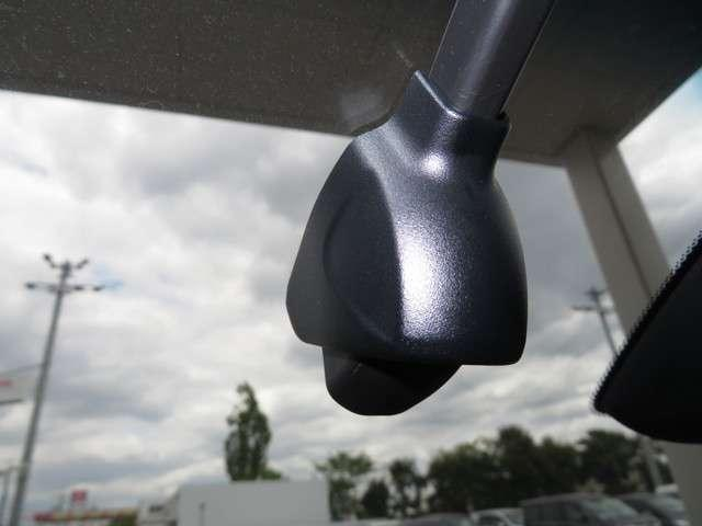 e:HEVホーム デモカー 運転支援 ホンダ認定中古車 Bluetooth対応ナビ 障害物センサー クルーズコントロール ETC LEDヘッドライト リアカメラ オートマチックハイビーム(3枚目)