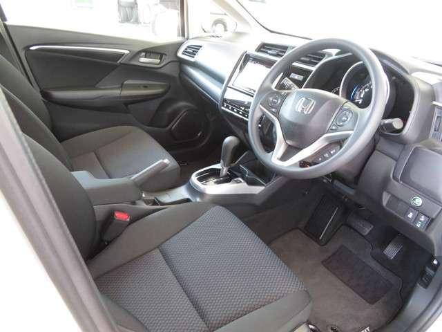13G・S ホンダセンシング 大型ナビ 運転支援 ホンダ認定中古車 ドラレコ フルセグTV クルーズコントロール Bluetooth対応 LEDヘッドライト(9枚目)