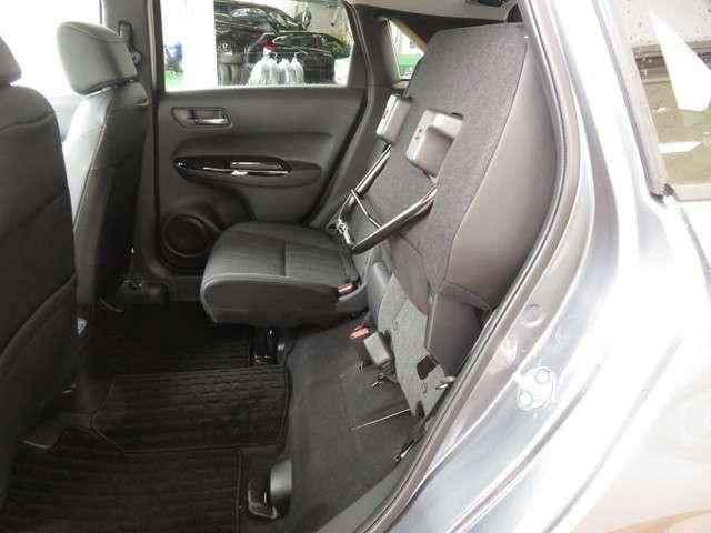 e:HEVホーム デモカー Bluetooth対応ナビ ドライブレコーダー フルセグTV 運転支援 認定中古車 クルーズコントロール ETC オートマチックハイビーム コーナーセンサー(12枚目)