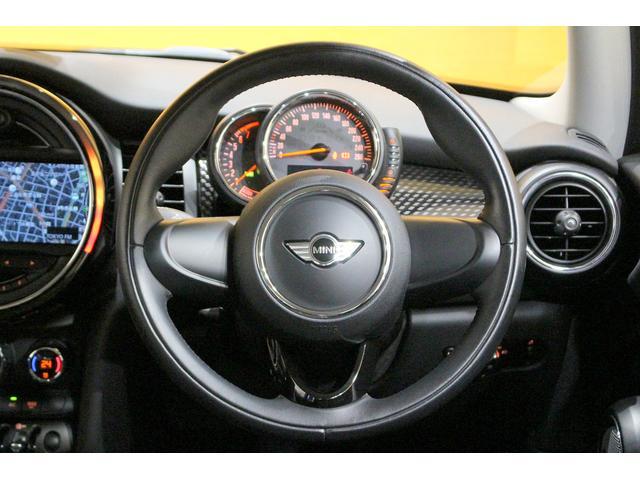 クーパーS 6MT ワンオーナー ナビ LEDヘッドライト フォグ Bluetooth通話&音楽再生 アイドリングストップ 17インチAW クローム外装 アームレスト スポーツシート 保証書記録簿あり(15枚目)