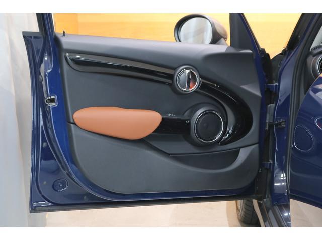 クーパーS 限定車 衝突軽減ブレーキ ACC 純正ナビ バックカメラ PDC 専用17インチAW ヘッドアップディスプレイ コンフォートアクセス ハーフレザーシート LEDヘッドライト ETCミラー(12枚目)
