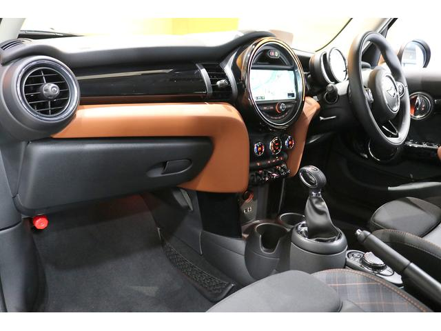 クーパーS 限定車 衝突軽減ブレーキ ACC 純正ナビ バックカメラ PDC 専用17インチAW ヘッドアップディスプレイ コンフォートアクセス ハーフレザーシート LEDヘッドライト ETCミラー(13枚目)