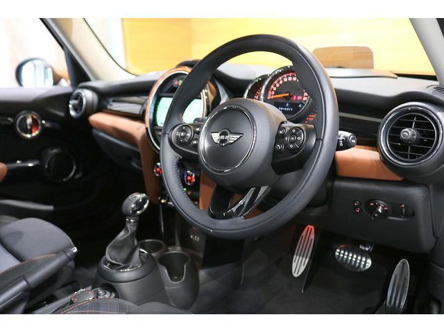 クーパーS 限定車 衝突軽減ブレーキ ACC 純正ナビ バックカメラ PDC 専用17インチAW ヘッドアップディスプレイ コンフォートアクセス ハーフレザーシート LEDヘッドライト ETCミラー(14枚目)