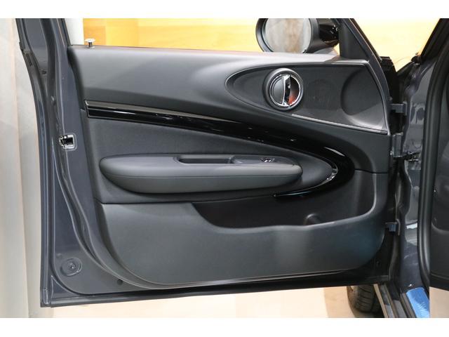 クーパーS クラブマン 後期モデル ACC 衝突軽減ブレーキ パーキングアシスト バックカメラ 前後PDC コンフォートアクセス ドライビングモード LEDライト UKテール SOSコール ETCミラー ドラレコ 新車保証(12枚目)