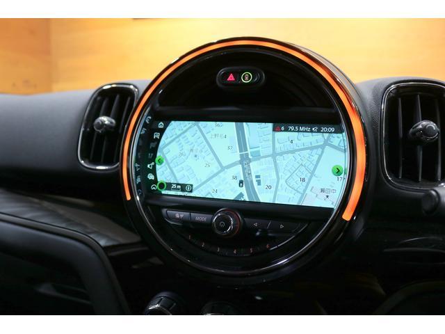 クーパーD クロスオーバー 追従クルコン 衝突軽減ブレーキ スマートキー PDCセンサー バックカメラ 電動開閉トランク ETC内蔵ミラー 純正HDDナビ ミュージックサーバー Bluetooth ディーラー整備記録簿(17枚目)