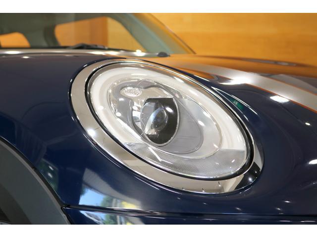 クーパーSD セブン ワンオーナー 限定車 ハーフレザーシート 専用17インチAW 純正ナビ Bカメラ PDC コンフォートアクセス LEDヘッドライト クロームエクステリア ETCミラー 保証書 ディーラー記録簿完備(21枚目)