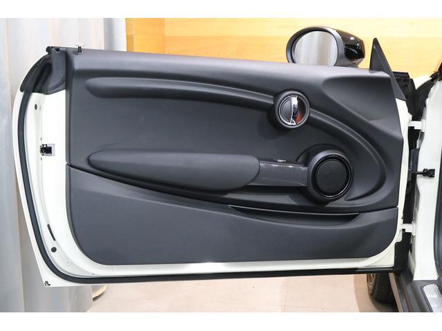 クーパー コンバーチブル 1オーナー レザレットシート シートヒーター 衝突軽減B Pアシスト Bカメラ 前後PDC コンフォートA SOSコール ユニオンジャックテール LEDヘッドライト 16インチAW 新車保証 TLC(12枚目)