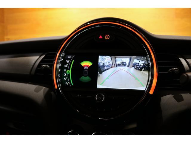 クーパー コンバーチブル 1オーナー レザレットシート シートヒーター 衝突軽減B Pアシスト Bカメラ 前後PDC コンフォートA SOSコール ユニオンジャックテール LEDヘッドライト 16インチAW 新車保証 TLC(18枚目)