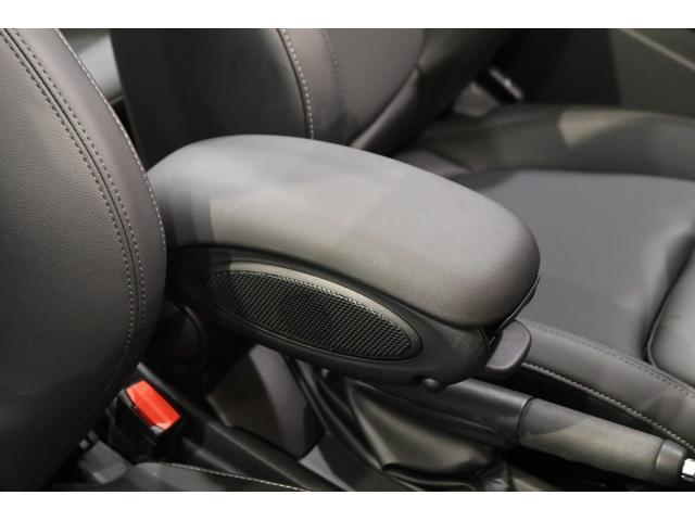 クーパー コンバーチブル 1オーナー レザレットシート シートヒーター 衝突軽減B Pアシスト Bカメラ 前後PDC コンフォートA SOSコール ユニオンジャックテール LEDヘッドライト 16インチAW 新車保証 TLC(45枚目)