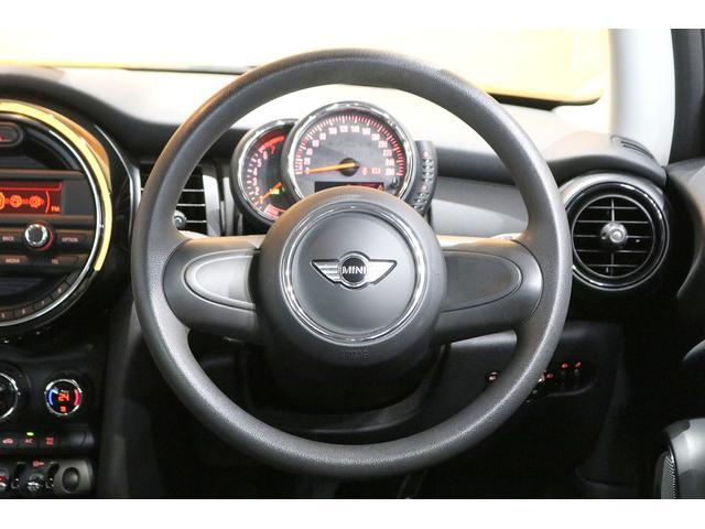 ワン 6速マニュアル ドライビングモード オートエアコン ETC フォグランプ クロームラインエクステリア 純正オーディオ AUX&USB接続 15インチAW ルーフバイザー ディーラー記録簿(15枚目)