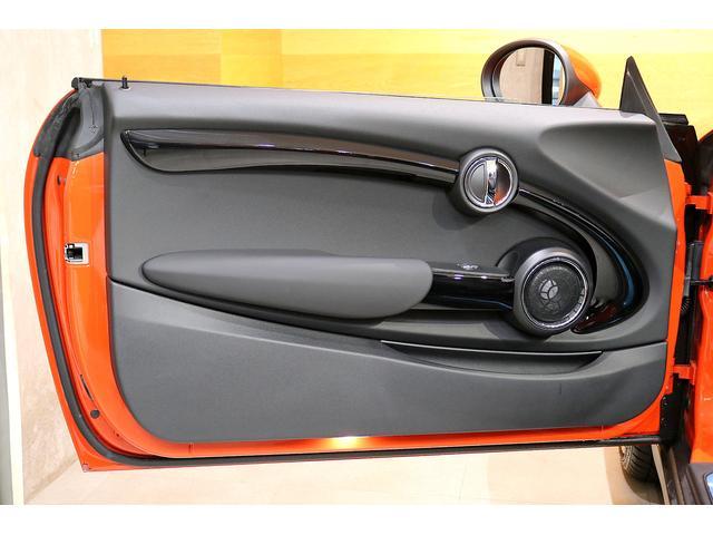 クーパーS コンバーチブル 1オーナー Yoursスタイル レザーシート シートヒーター ヘッドアップD ハーマンカードン 衝突軽減B ACC パーキングA 前後PDC Bカメラ 18インチAW アダプティブLED 記録簿完備(12枚目)