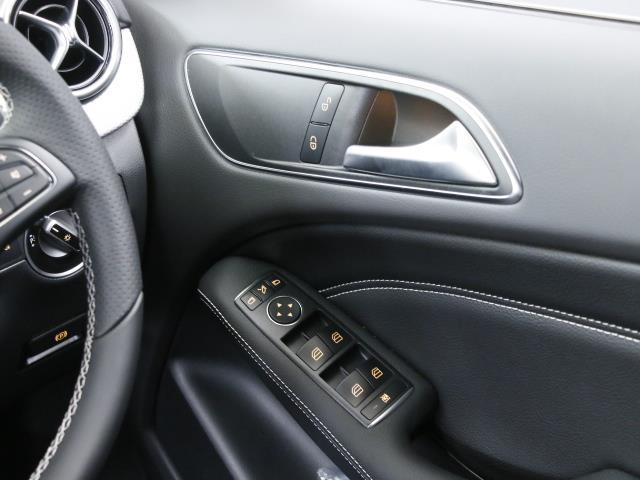 B180 レーダーセーフティパッケージ 5年保証 新車保証(13枚目)