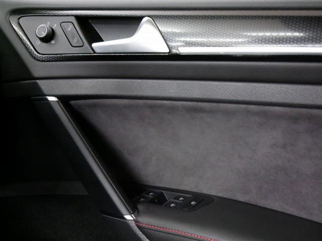 「フォルクスワーゲン」「VW ゴルフGTI」「コンパクトカー」「神奈川県」の中古車19