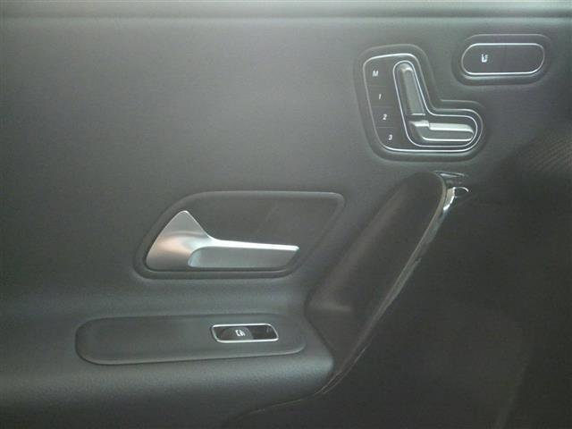 A200 d レーダーセーフティパッケージ ナビゲーションパッケージ 4年保証 新車保証(15枚目)