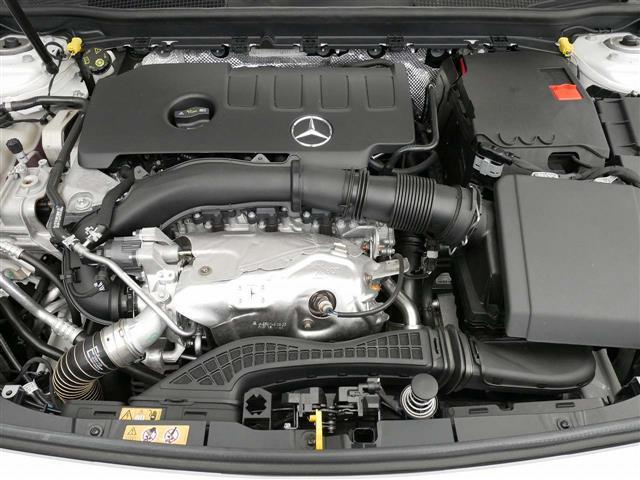 A250 4MATIC セダン レザーエクスクルーシブパッケージ レーダーセーフティパッケージ ナビゲーションパッケージ 4年保証 新車保証(8枚目)
