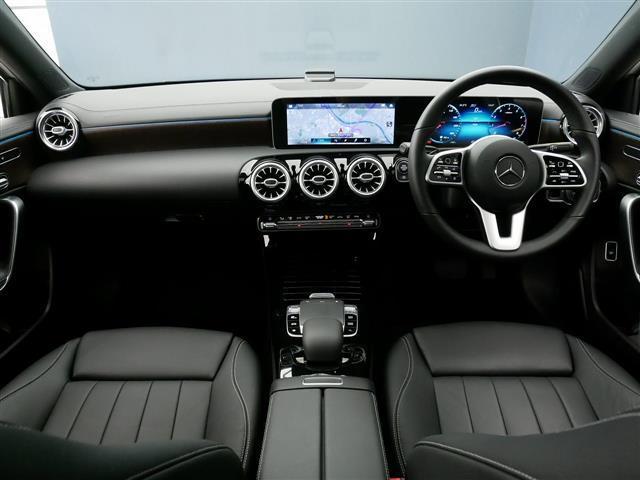 A250 4MATIC セダン レザーエクスクルーシブパッケージ レーダーセーフティパッケージ ナビゲーションパッケージ 4年保証 新車保証(11枚目)