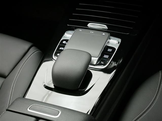 A250 4MATIC セダン レザーエクスクルーシブパッケージ レーダーセーフティパッケージ ナビゲーションパッケージ 4年保証 新車保証(14枚目)