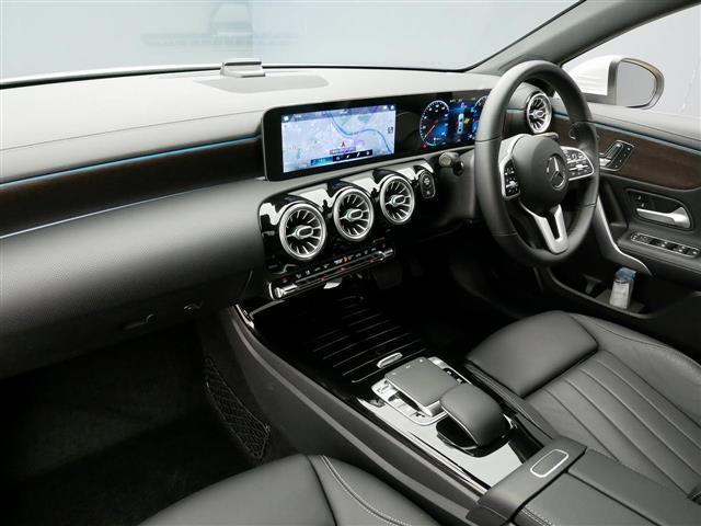 A250 4MATIC セダン レザーエクスクルーシブパッケージ レーダーセーフティパッケージ ナビゲーションパッケージ 4年保証 新車保証(18枚目)
