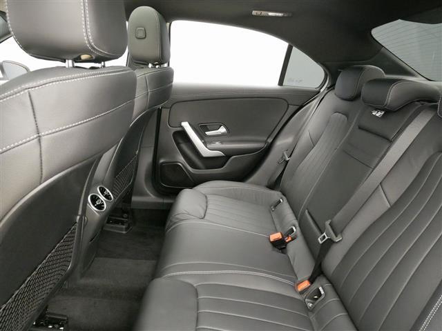 A250 4MATIC セダン レザーエクスクルーシブパッケージ レーダーセーフティパッケージ ナビゲーションパッケージ 4年保証 新車保証(19枚目)