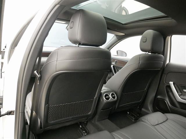 A250 4MATIC セダン レザーエクスクルーシブパッケージ レーダーセーフティパッケージ ナビゲーションパッケージ 4年保証 新車保証(20枚目)