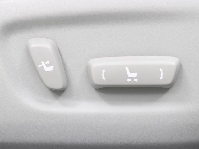 「トヨタ」「プリウス」「セダン」「東京都」の中古車13