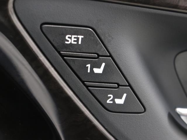 G-エグゼクティブ 黒革シート バックカメラ メモリーナビ ETC フルセグ LED ドライブレコーダー 衝突被害軽減ブレーキ アルミ スマートキー ナビテレビ パワーシート DVD(13枚目)