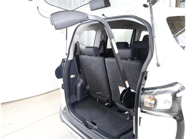 G フクシシャリョウ G ウェルキャブ 助手席回転チルトシート 車いす収納装置付き トヨタセーフティセンス フルセグTV付き純正SDナビ バックモニター ETC2.0 両側パワ-ドア スマートキー ワンオーナー(4枚目)